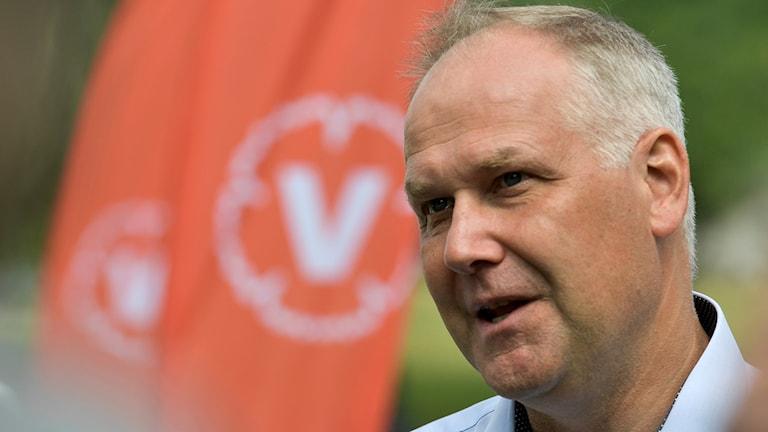 Vänsterpartiets ledare Jonas Sjöstedt (V) i Almedalsparken