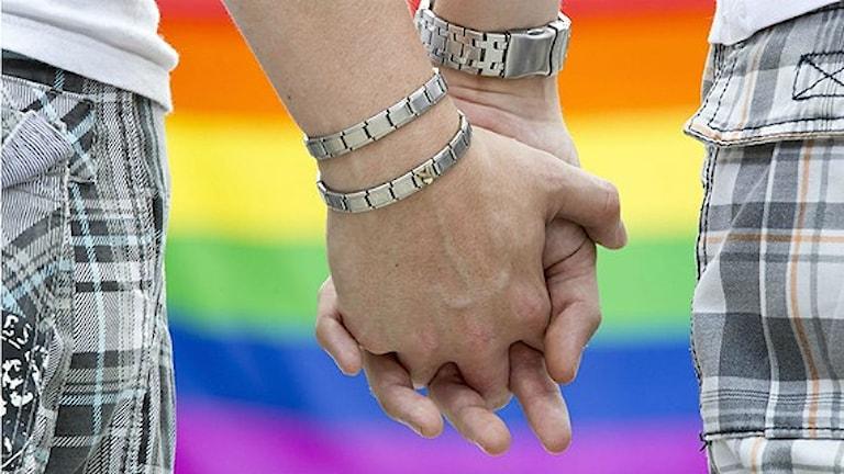 غالباً ما يتعرض الرجال المثليون الى التمييز، عند طلبهم الحصول على عمل في مجال الحرف الرجالية التقليدية