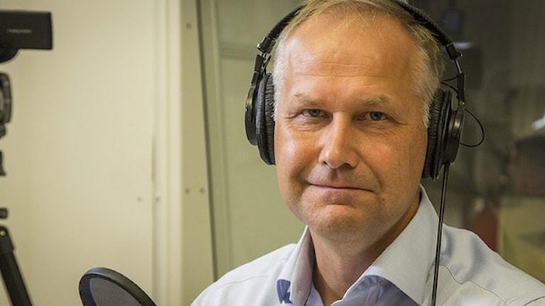 يوناس خوستيدت رئيس حزب اليسار / راديو السويد