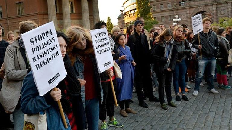 Protester i Stockholm förra året mot att polisen registrerat flera tusen romer.