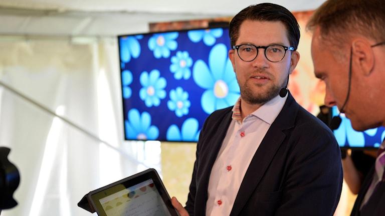 رئيس حزب ديمقراطيو السويد جيمي أوكيسون في ألميدالن