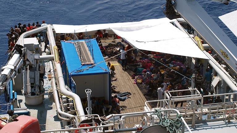 بوسيدون السويدية تنفذ عمليات الانقاذ في البحر الابيض المتوسط