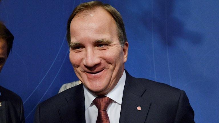 رد فعل لوفين على سماح السلطات الدنماركية لعبور اللاجئين الى السويد دون تسجيلهم في الدنمارك