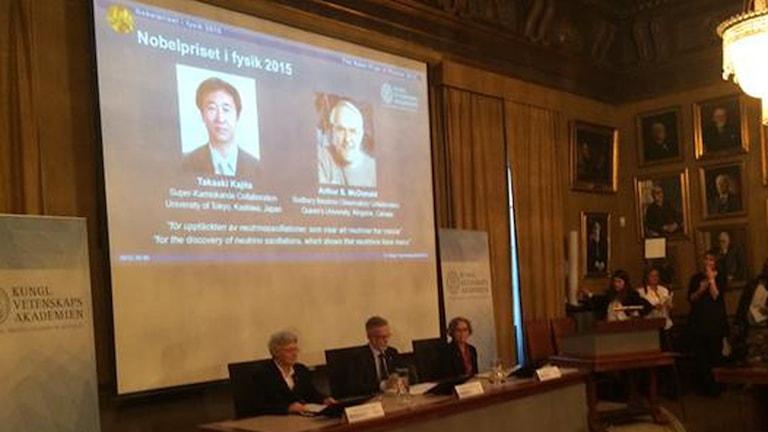جائزة نوبل في الفيزياء للعام 2015 الى يابني وكندي مناصفة، عدسة رفند احمد/ الاذاعة السويدية