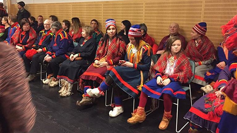 جانب من الحضور في المحكمة اليوم / الصورة من راديو وتلفزين السويد قسم السامر
