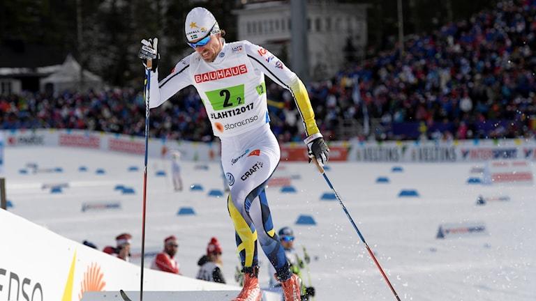 Sveriges Johan Olsson under andra sträckan av herrarnas stafett Lahtis