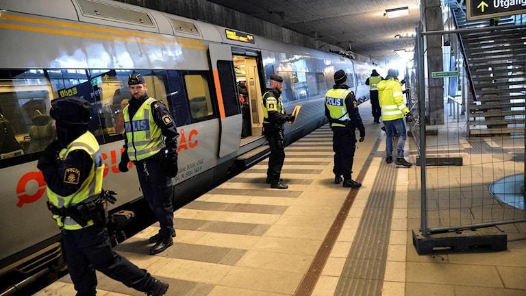 رقابة الحدود تنفذ من قبل الشرطة السويدية.