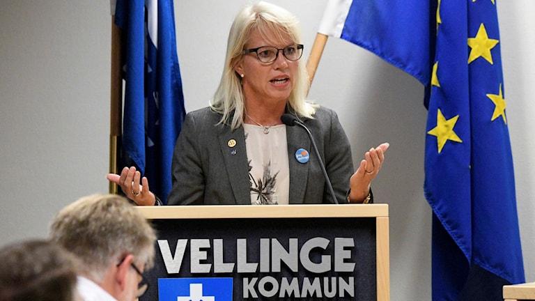 كارينا فوتسلر، عضو مجلس إدارة البلدية عن حزب المحافظين.