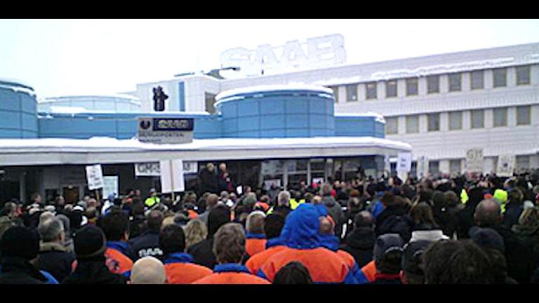 ما يقارب 3500 متظاهر اعربوا عن احتجاجهم على عدم بيع Saab