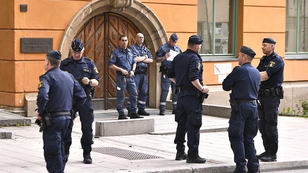صورة أرشيفية من أمام محكمة ستوكهولم