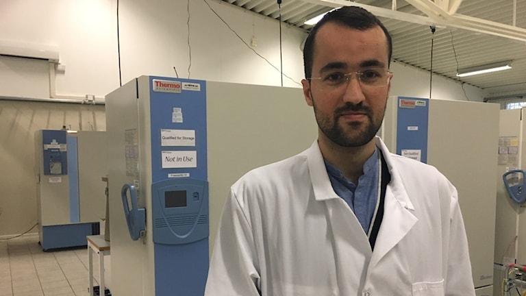 حسين إسماعيل.