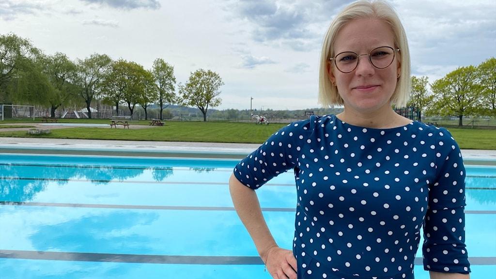Idrottsborgarrådet Karin Ernlund vid bad