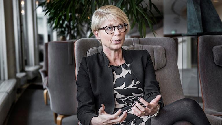 .إليسابت سفانتيسون، المتحدثة باسم حزب المحافظين في شؤون الاندماج