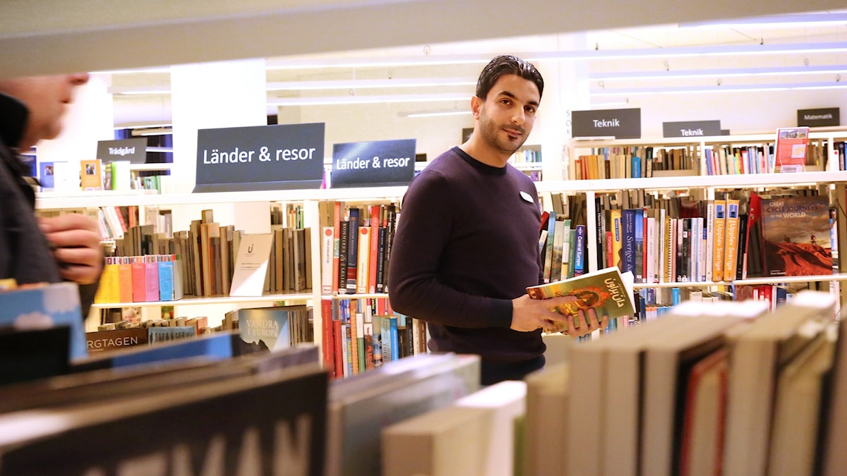 بركات الضماد يطور قسم اللغات الأجنبية بمكتبة ليدشوبينغ البلدية