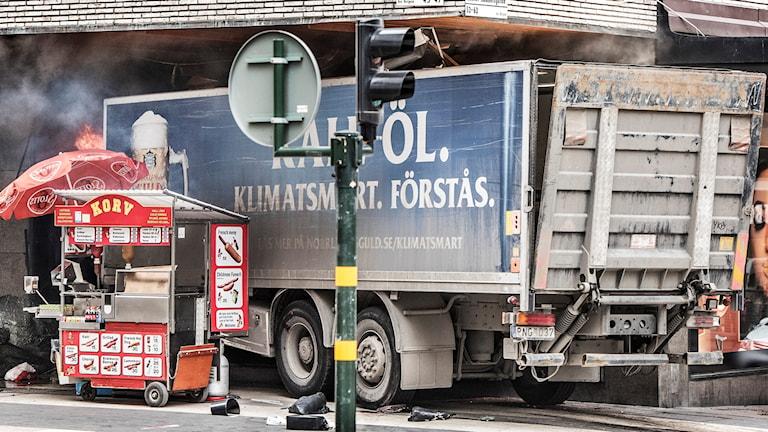 Terrorattack på Drottninggatan.
