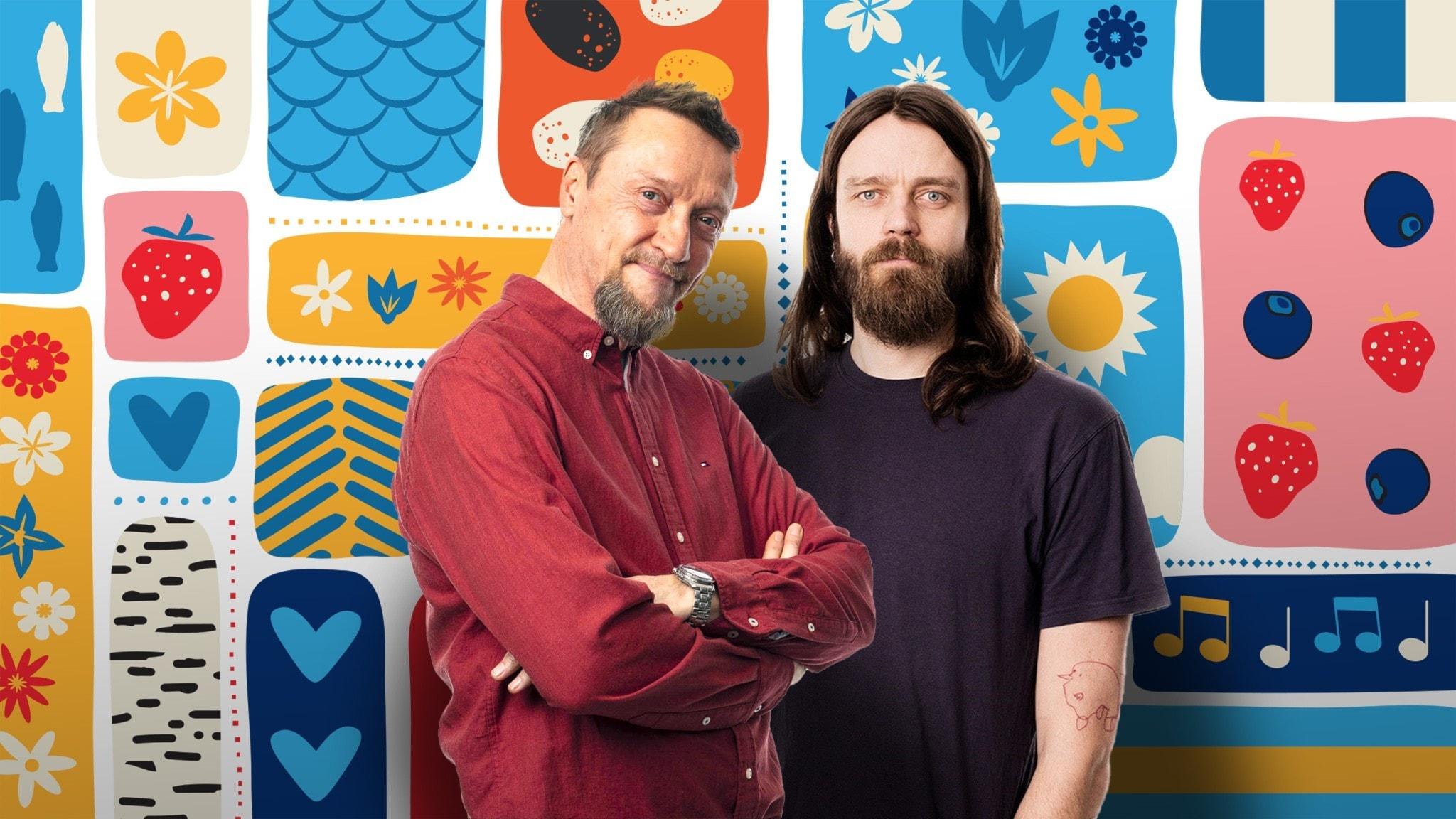 Programledarna framför en somrigt färggrann dekorbakgrund.