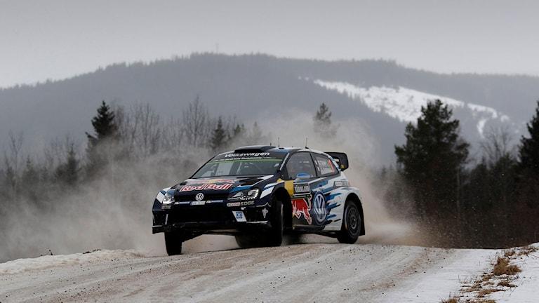 Sebastien Ogier och Julien Ingrassa, Frankrike, VW Polo WRC, på SS3 under Svenska Rallyt på fredagen. Foto: Micke Fransson/TT