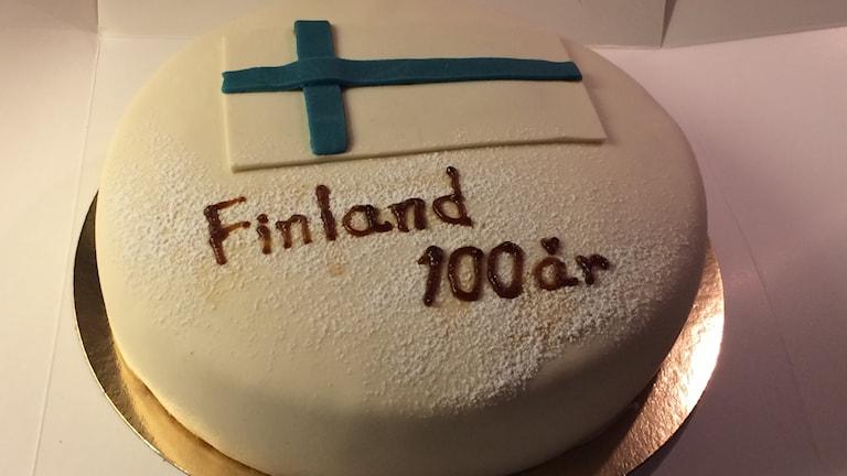 Suomi 100 vuotta Jönköpingin suomiseuralla.