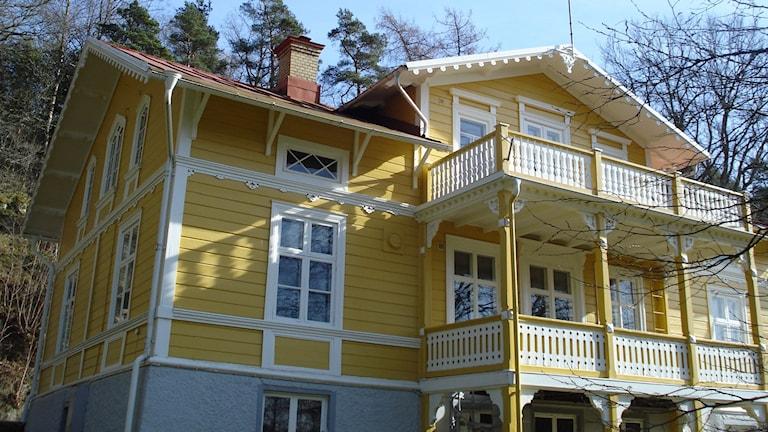Emaus oli Uddevallan Suomiseuran päämaja yli kolmenkymmenen vuoden ajan. Vaikka rakennuksessa kummittelee...