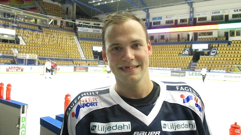 Max Wärn odottavainen kauden alussa.