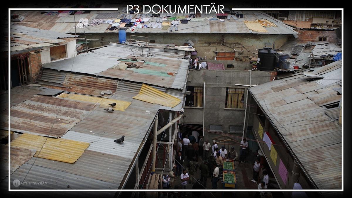 Foto av innergården på fängelset El Penal de San Pedro, La Paz, Bolivia