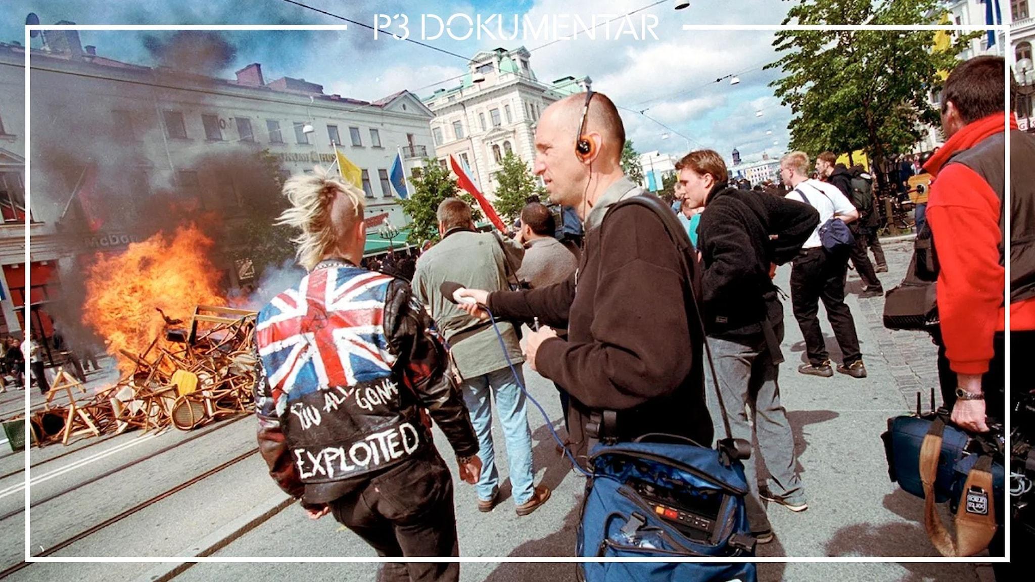 En reporter, demonstranter och brinnande möbler på Göteborgs gator.