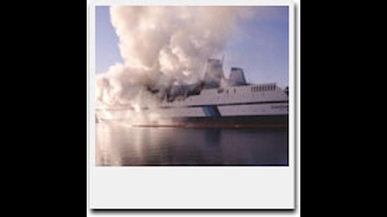 Branden på passagerarfartyget Scandinavian Star 1990. Foto: