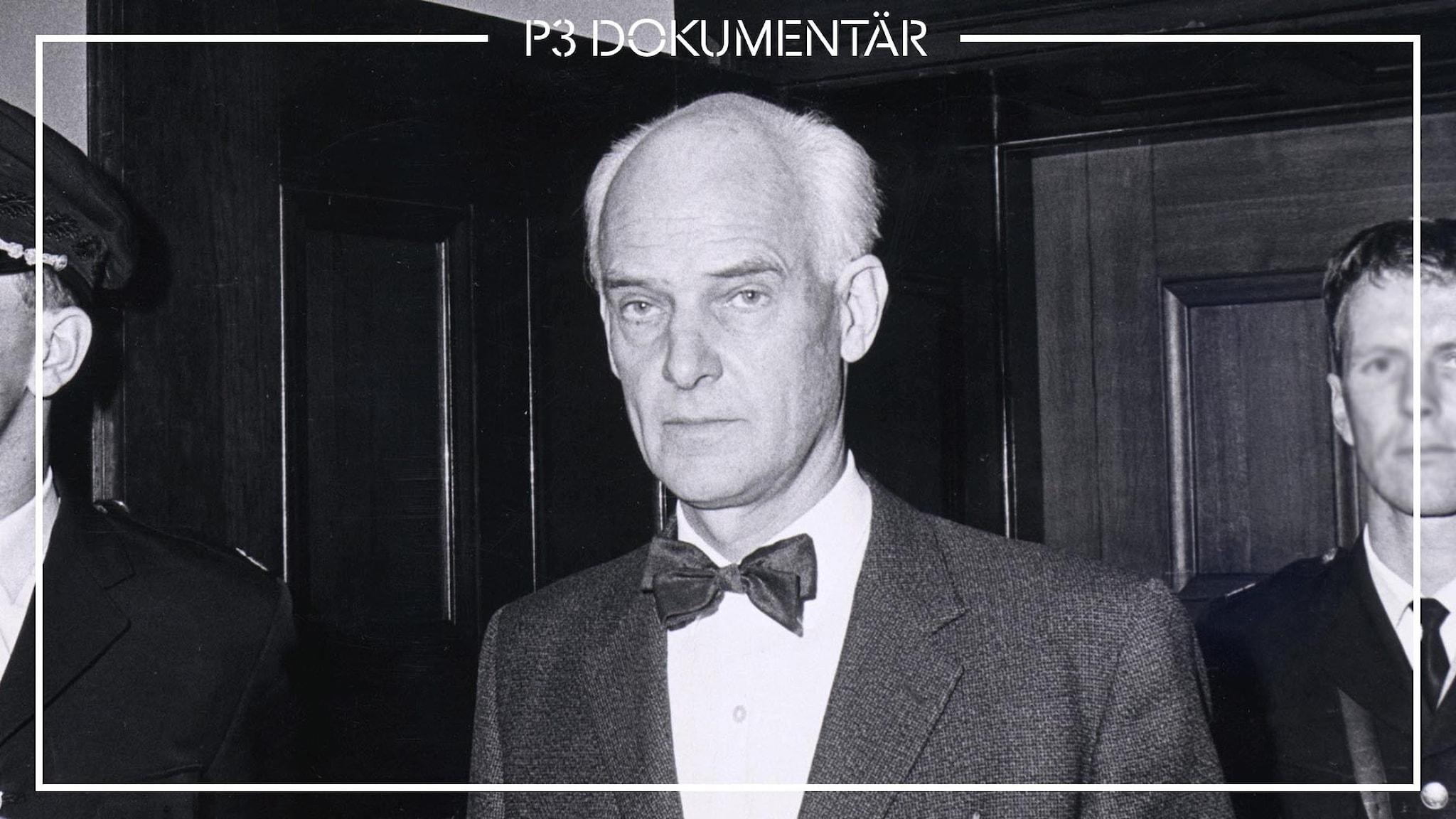 En svartvit bild på Rysslandspionen Stig Wennerström. som tittar in i kameran.