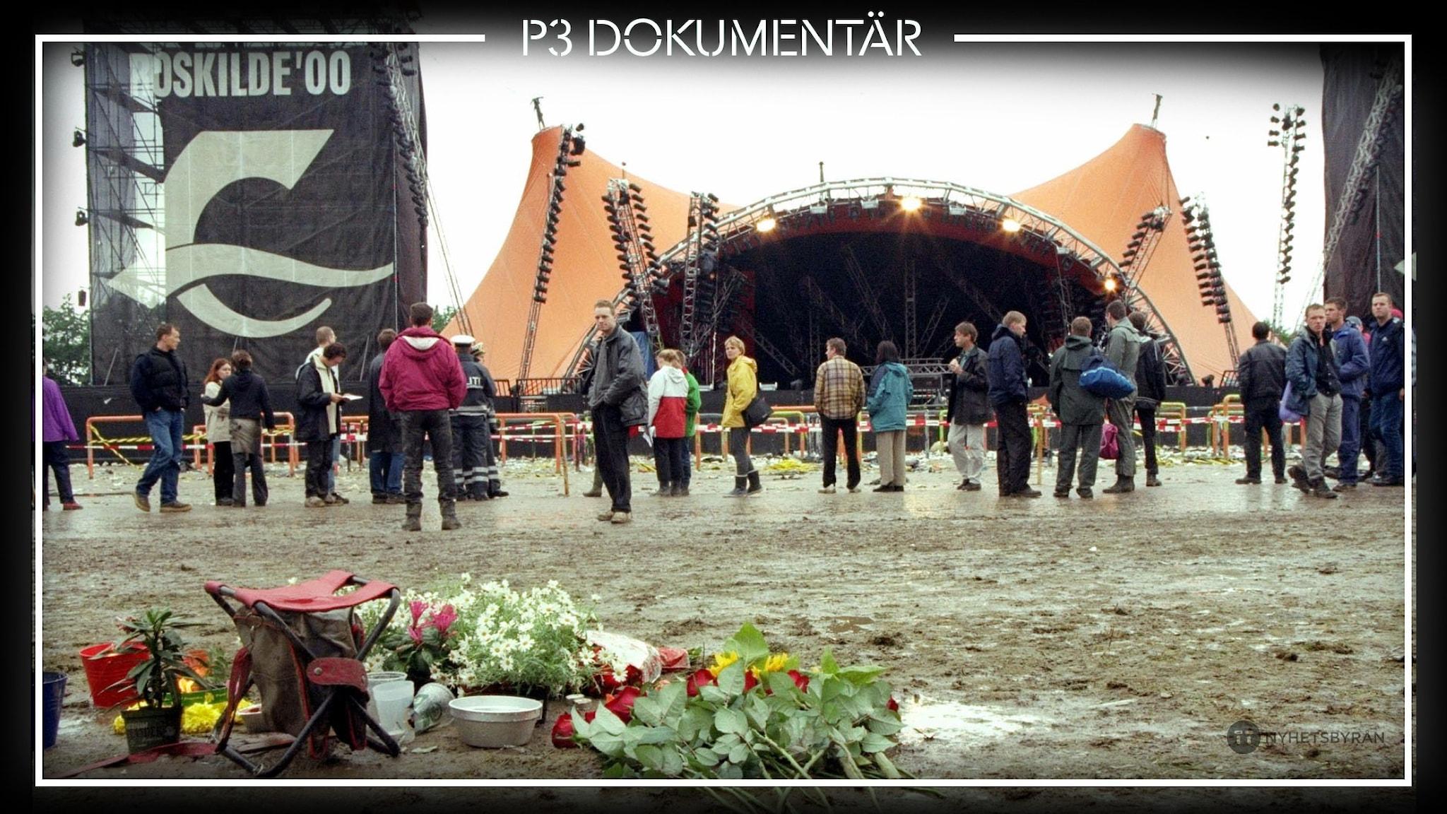 Blommor framför scenen