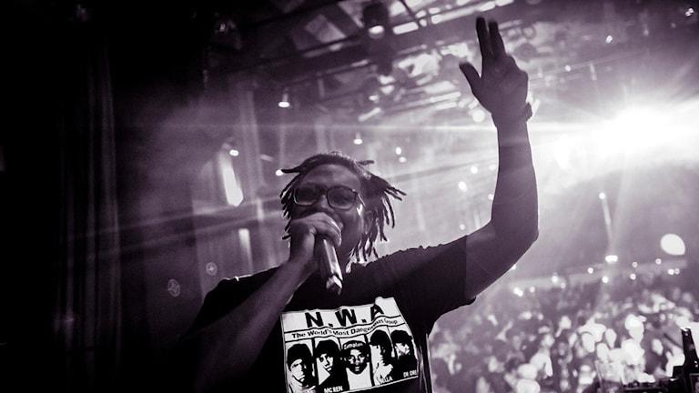 Dj Big T startar festen med sina AfroBeats