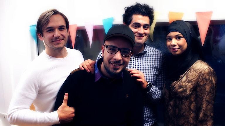 Fredagspanelen bestående av Egzon Shabanaj, Hussein Ali, Aziz och Aziz Yazbyk och Sadija Elbalåla Dahlsson. Foto: Stephanie Londéz/SR