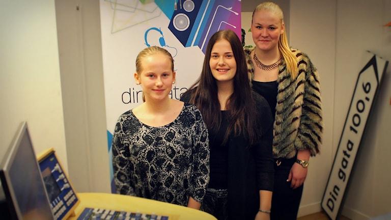 Johanna Jönsson, Matilda Ripa och Pauline Lindborg kämpar för de med psykiska problem. Foto: Gustaf Widegård/SR