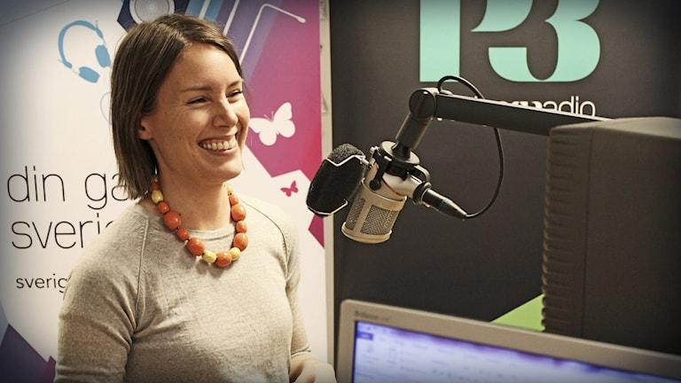 Emma Börjesson från Miljöförvaltningen pratar om hållbarhet. Foto: Gustaf Widegård/SR