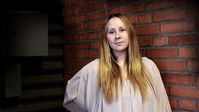 Emma blev kidnappad och tvingades tigga för att få ihop de 20 000 kronorna som kidnapparna krävde av henne. Foto: Mona Hadad/SR