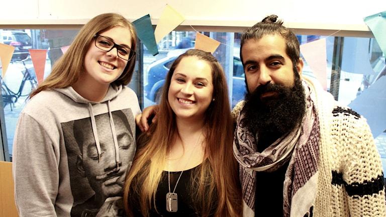 Sanela, SarH och Ali är veckans Fredagspanel. Foto: Emma Leyman/SR