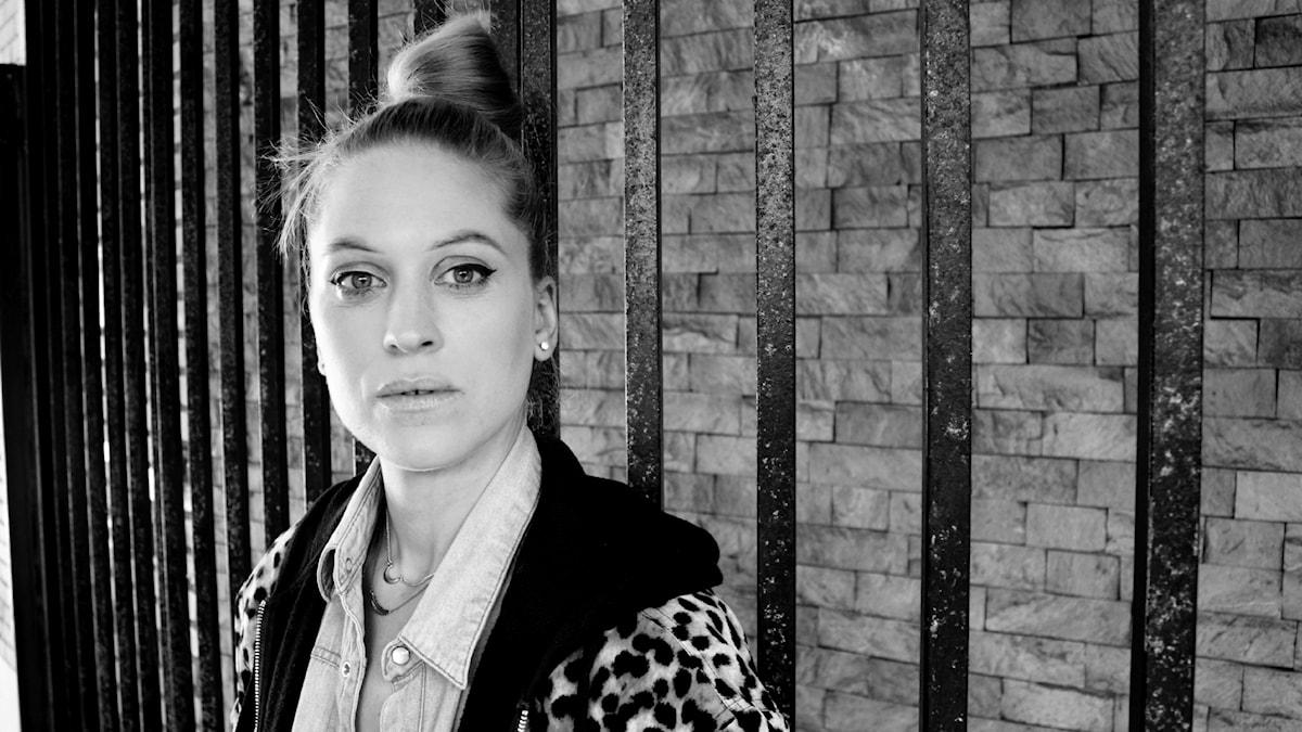 Karolina Pistolina bjuder på en ny DJ-show den första fredagen varje månad. Foto: Emma Leyman/SR