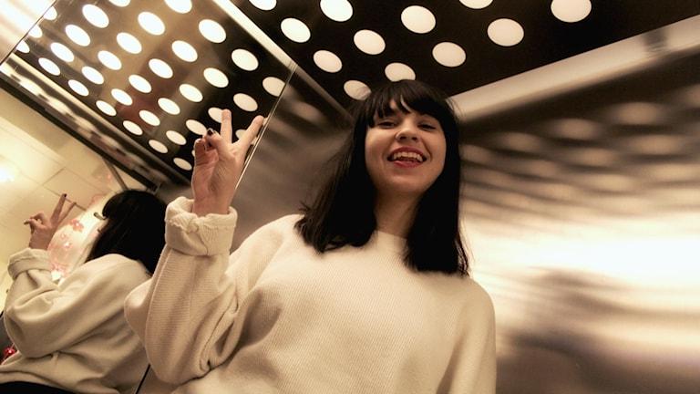 Bild på DJ Maja Goffe. Foto: Emma Leyman/SR