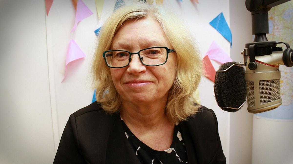 Bild på Margot Olsson i P3 Din Gata-studion.