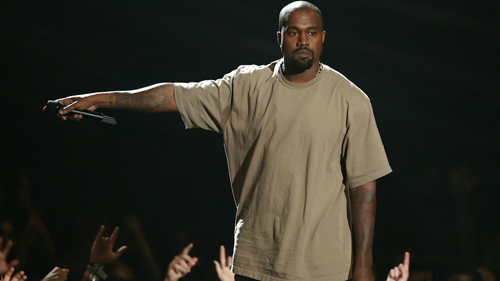 Bild på Kanye West. På Scen.