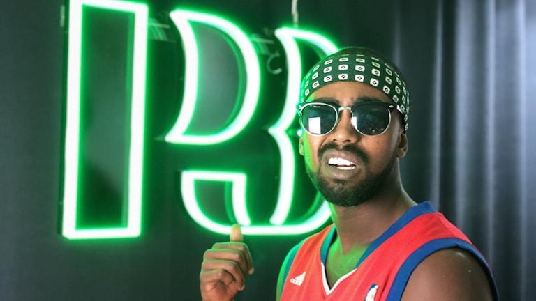 """Artisten och Poeten Brix pratar """"medveten rap"""" i P3 Dingata"""