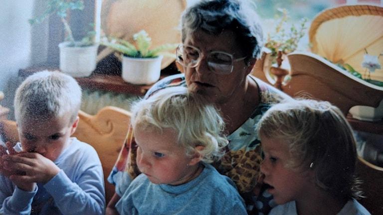 Elina ja hänen mummu