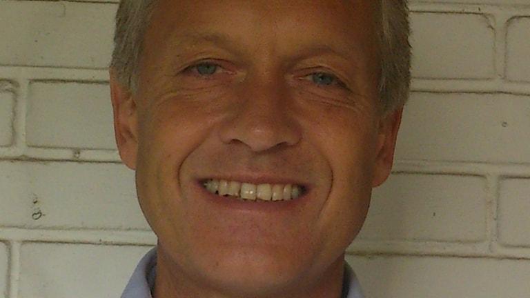 Anders Brundin är en av Vaken med P3 och P4:s lyssnarkorrespondenter som återkommande rapporterar om de samtalsämnen som dominerar i det nya hemlandet. Foto: Privat