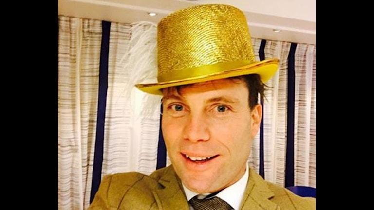 Henrik med hatt. Foto: Privat