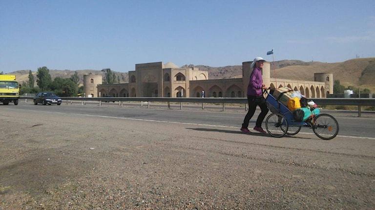 Kristina Paltén springer genom Iran. Foto: Privat