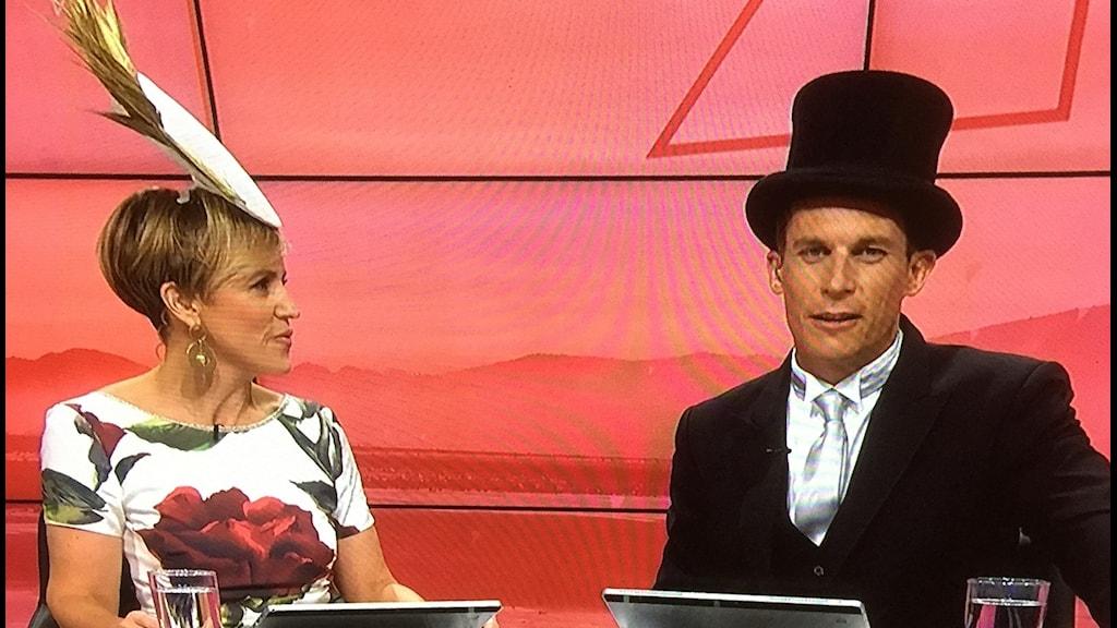 nyhetspresentatörer på TV i Nya Zeeland inför prins Harry och Meghan Markles bröllop