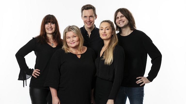 Vaken med P3 & P4s programledare. Wivianne Svedberg, Peter Sundberg, Pamela Taivassalo, Lisa Friberg & Robert Frank.