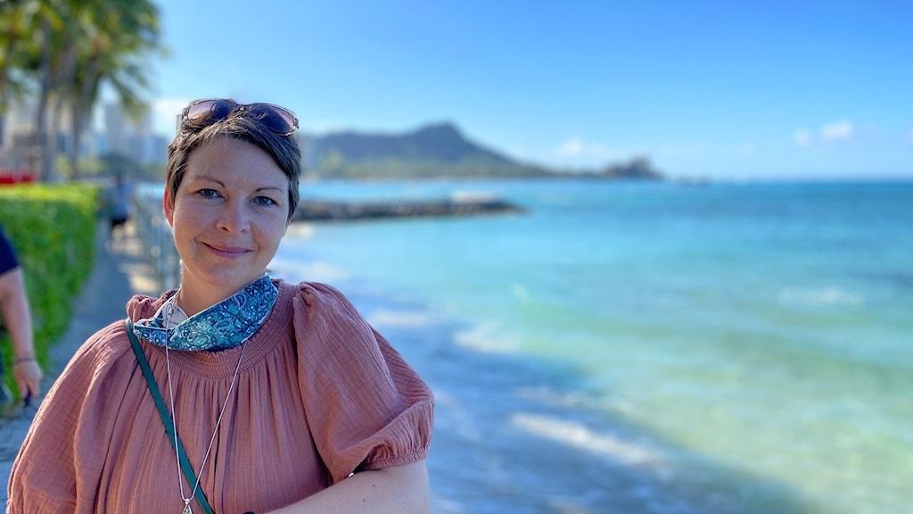 Maria Svemark vid Waikiki beach, Hawaii.