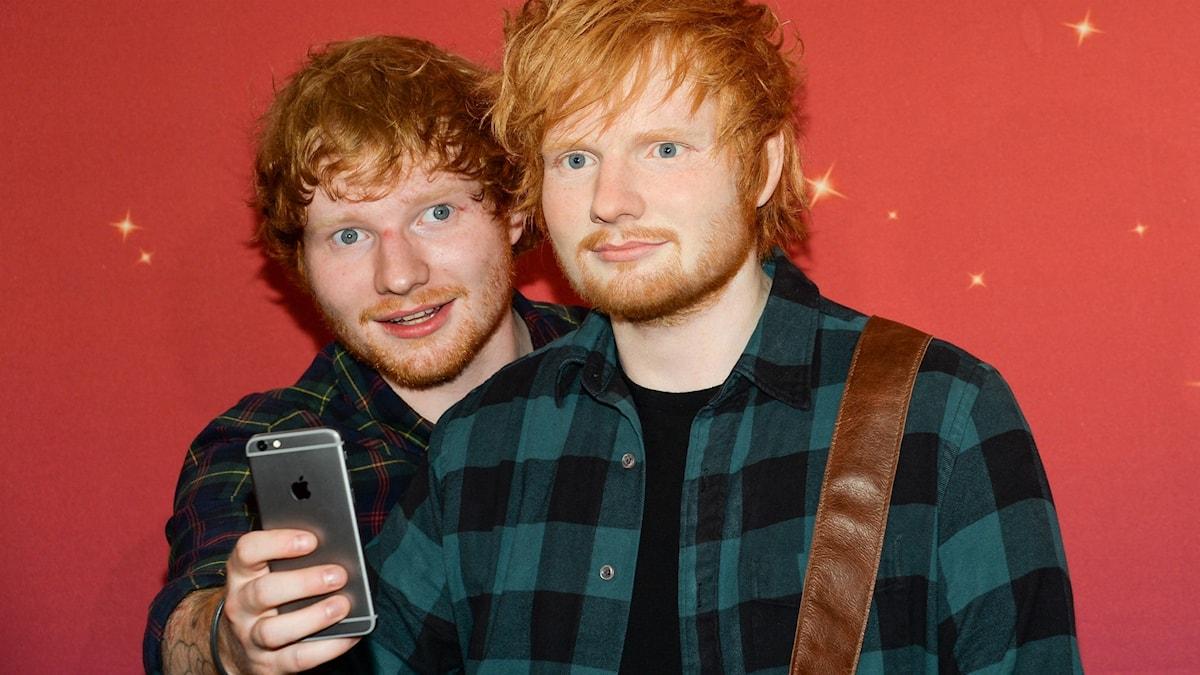 Ed Sheeran fotar sin egen vaxdocka