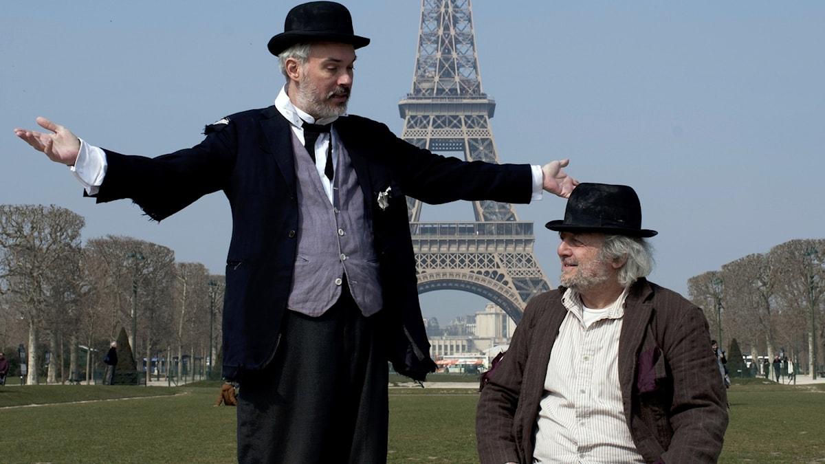 Vladimir (Shane Baker) och Estragon (David Mandelbaum) i... just det, Paris.