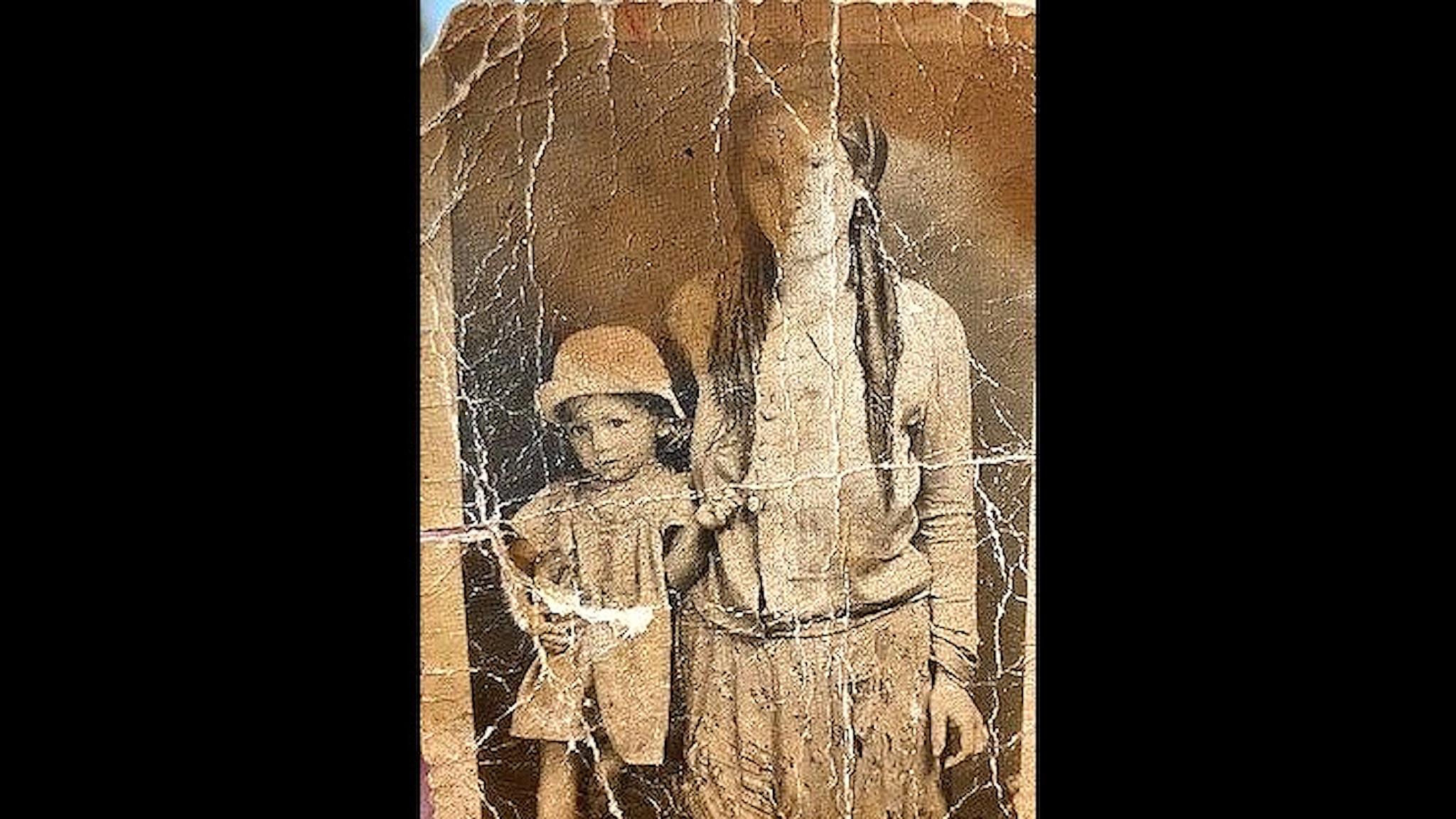 Elisabet Vajda med litet barn.